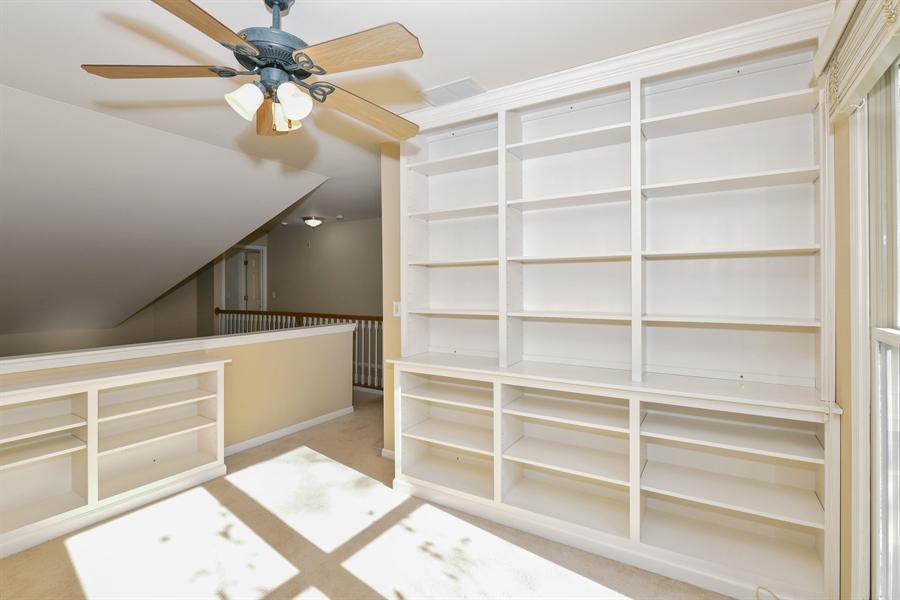 Real Estate Photography - 544 Harlowe Ln, 544, Naperville, IL, 60565 - Loft