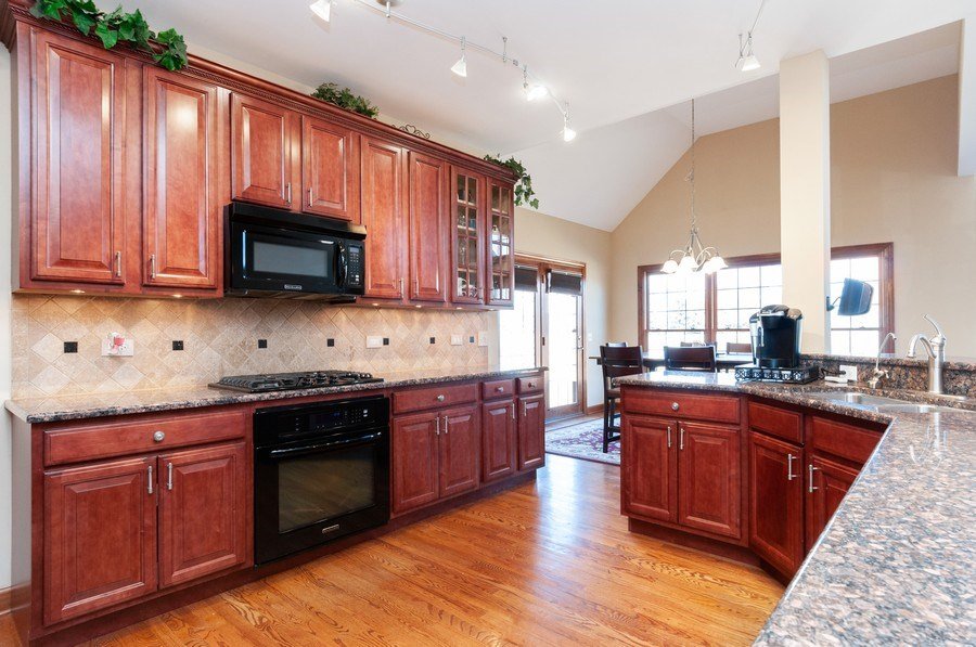 Real Estate Photography - 26112 W. Chatham Dr., Plainfield, IL, 60585 - Kitchen