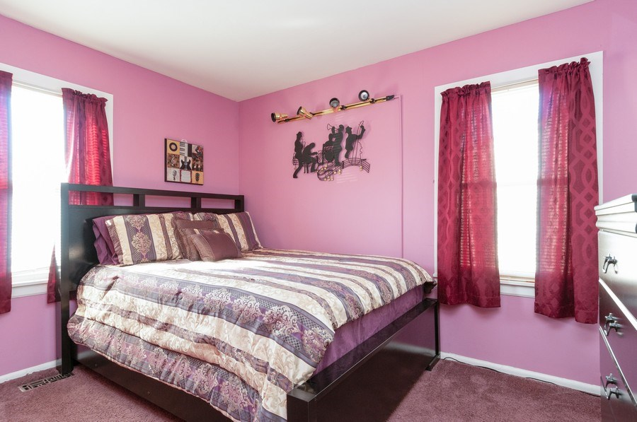 Real Estate Photography - 405 FENTON Ave, Romeoville, IL, 60446 - 3rd Bedroom
