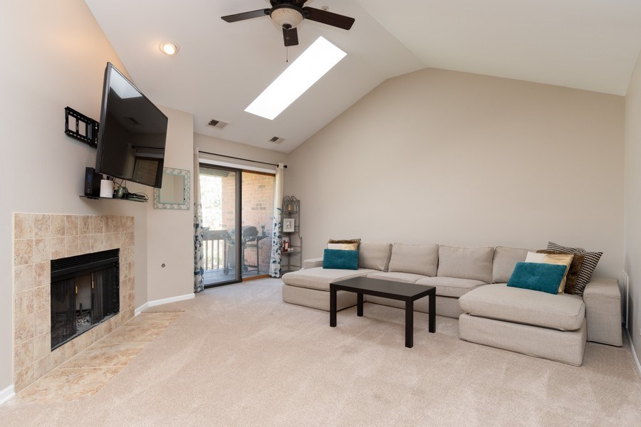 Real Estate Photography - 986 West Ct, Naperville, IL, 60563 - Family Room