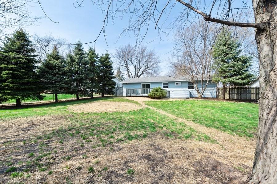 Real Estate Photography - 11 Shore Ct, Oswego, IL, 60543 - Back Yard