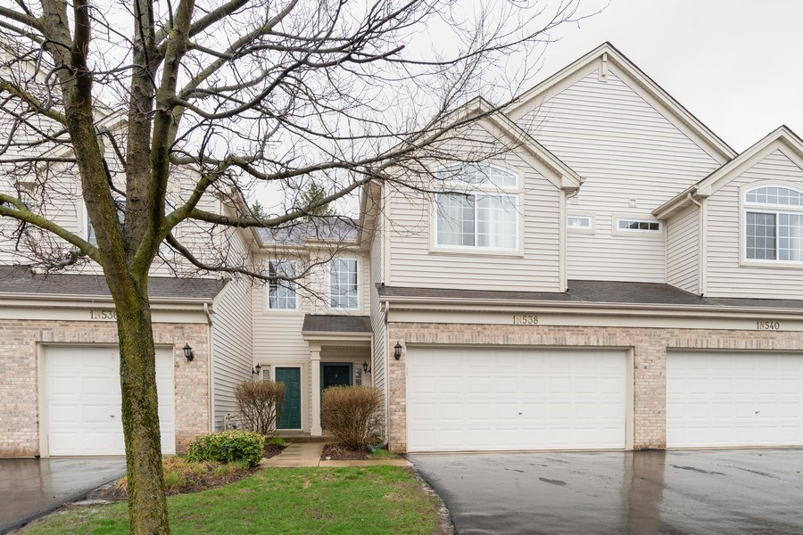 Real Estate Photography - 927 Creekside Cir, Lombard, IL, 60148 - Front View