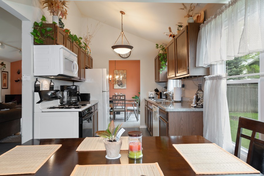 Real Estate Photography - 1161 Parker Ave, Downers Grove, IL, 60516 - Kitchen / Breakfast Room