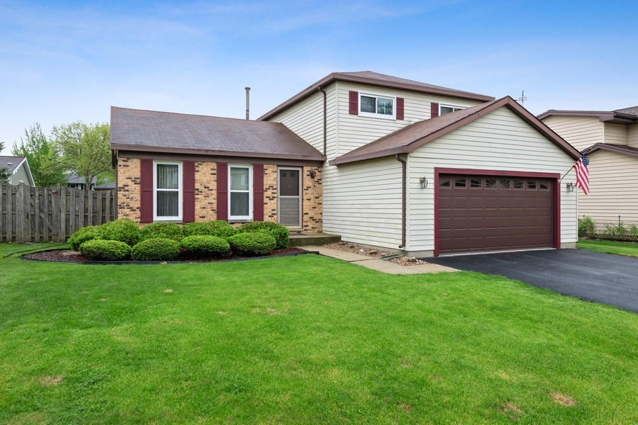 Real Estate Photography - 1161 Parker Ave, Downers Grove, IL, 60516 - Front View