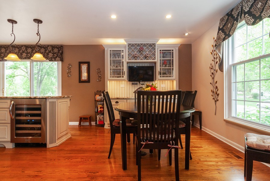Real Estate Photography - 2210 Kingston, Wheaton, IL, 60189 - Kitchen / Breakfast Room