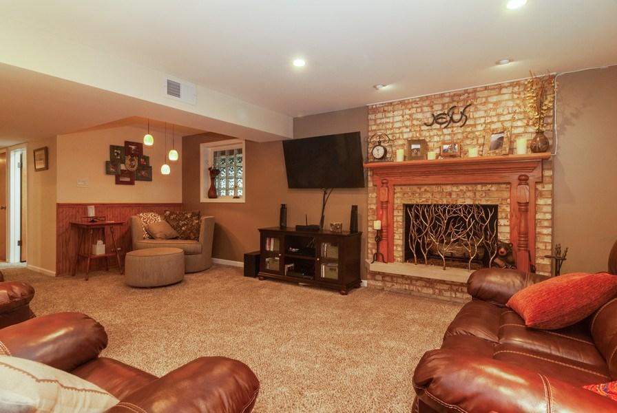 Real Estate Photography - 2210 Kingston, Wheaton, IL, 60189 - Family Room