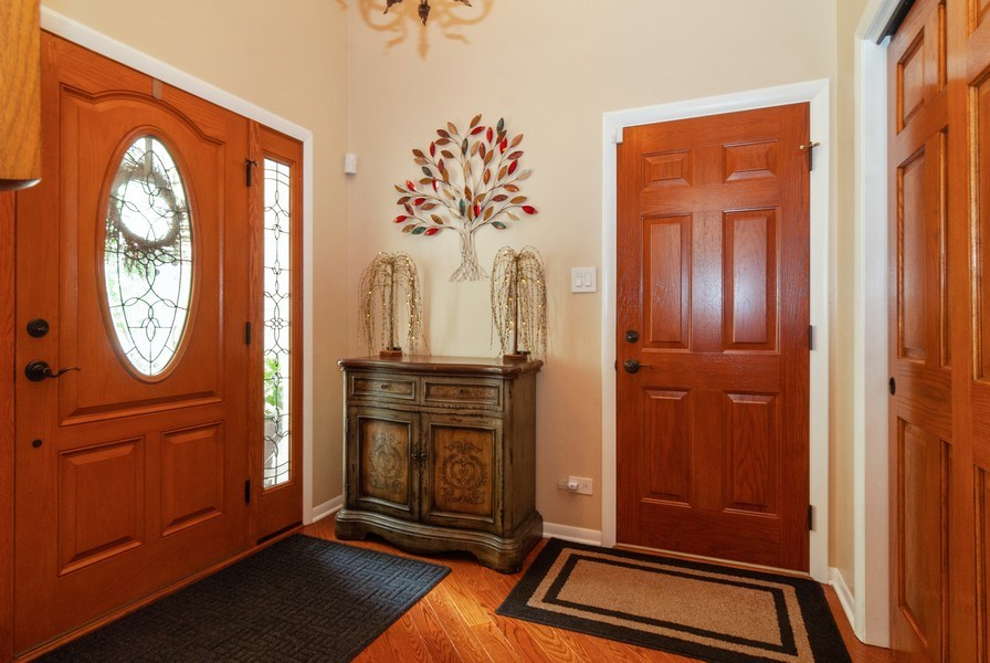 Real Estate Photography - 2210 Kingston, Wheaton, IL, 60189 - Foyer