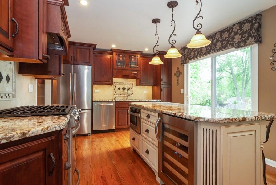 Real Estate Photography - 2210 Kingston, Wheaton, IL, 60189 - Kitchen