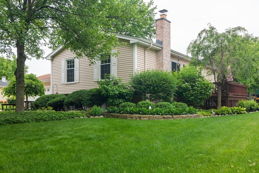 Real Estate Photography - 2210 Kingston, Wheaton, IL, 60189 - Side View