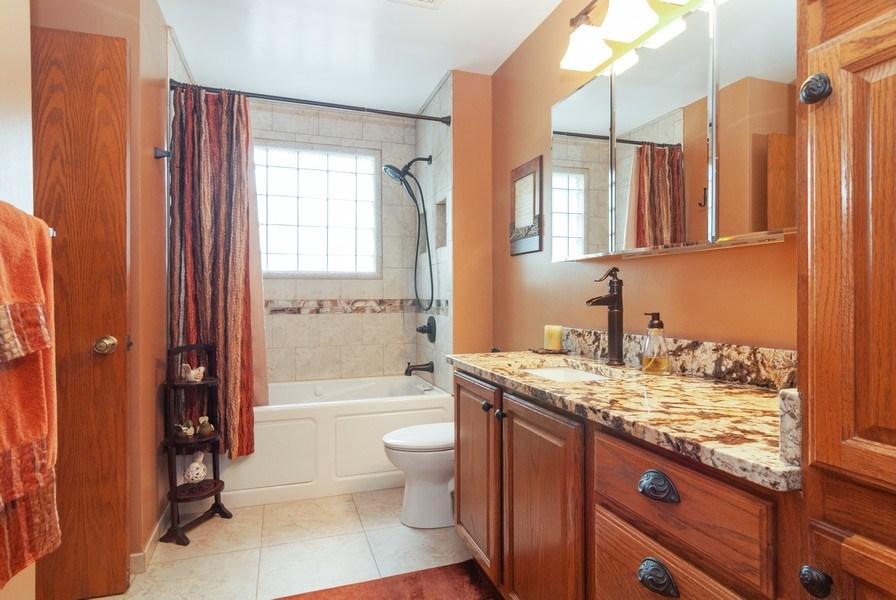 Real Estate Photography - 2210 Kingston, Wheaton, IL, 60189 - 2nd Bathroom