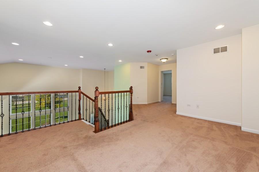 Real Estate Photography - 2720 Blakely Lane, Naperville, IL, 60540 - Loft