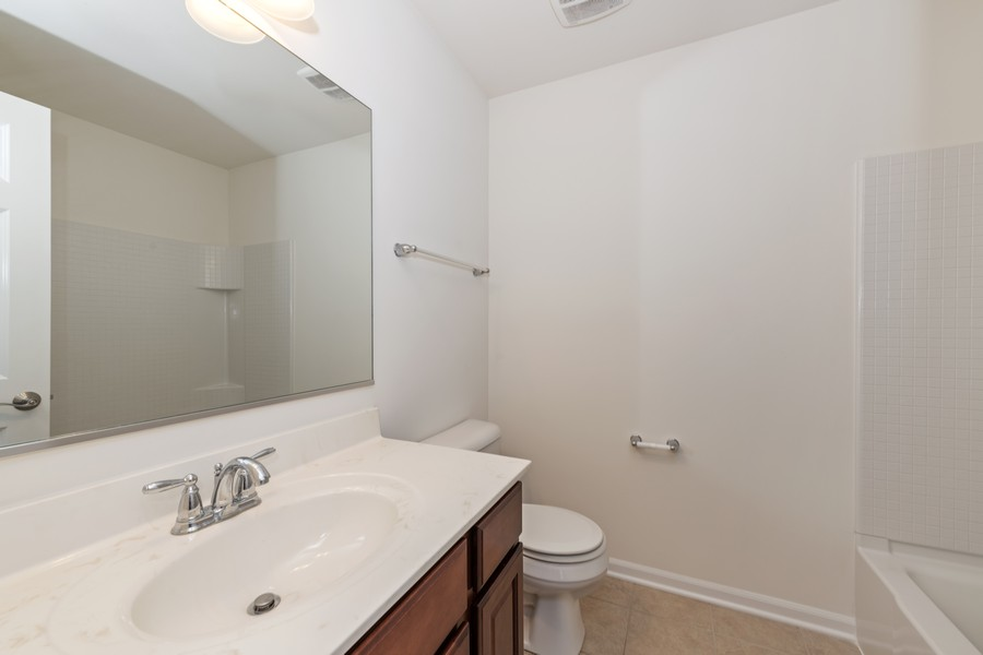 Real Estate Photography - 2720 Blakely Lane, Naperville, IL, 60540 - Bathroom