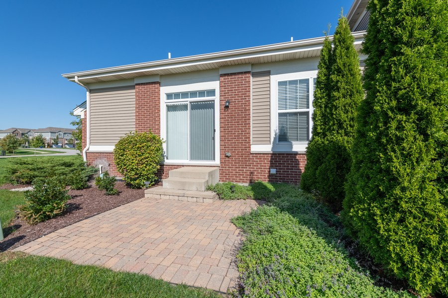 Real Estate Photography - 2720 Blakely Lane, Naperville, IL, 60540 - Patio