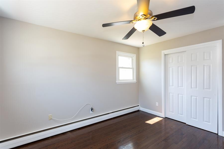 Real Estate Photography - 21 VANDERVERE RD, WEST HARTFORD, CT, 06117 -