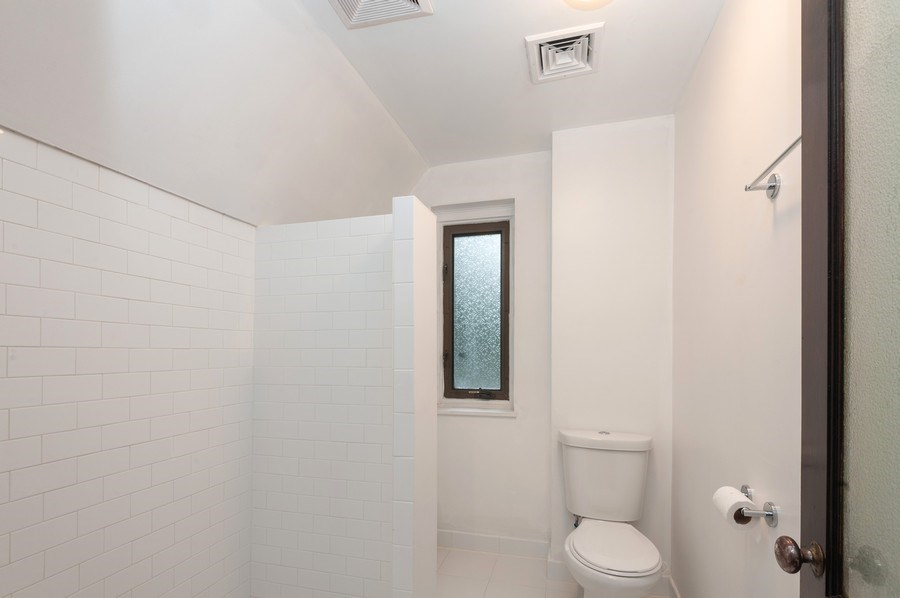 Real Estate Photography - 25 Hunter Ave, New Rochelle, NY, 10801 - 4th Bathroom