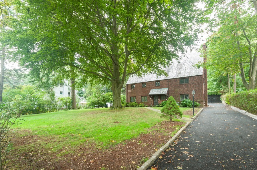 Real Estate Photography - 25 Hunter Ave, New Rochelle, NY, 10801 - Front View
