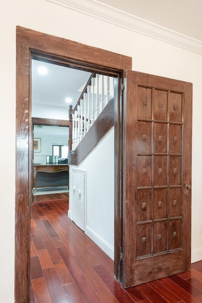 Real Estate Photography - 25 Hunter Ave, New Rochelle, NY, 10801 - Hallway