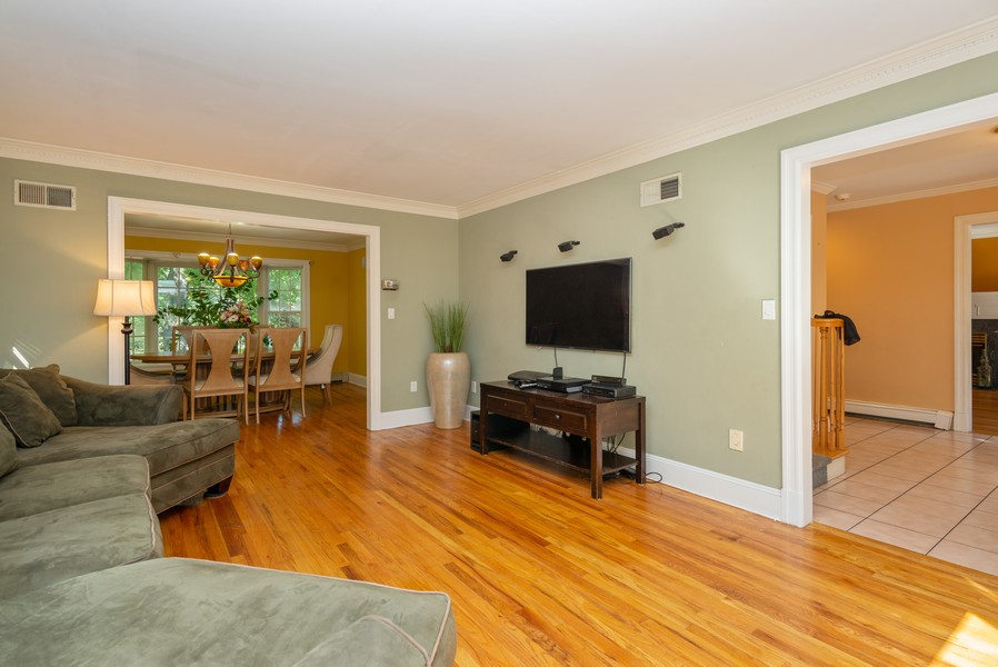 Real Estate Photography - 12 Abbey Dr, White Plains, NY, 10604 - Living Room