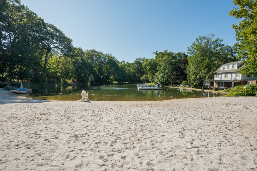 Real Estate Photography - 12 Abbey Dr, White Plains, NY, 10604 - Beach
