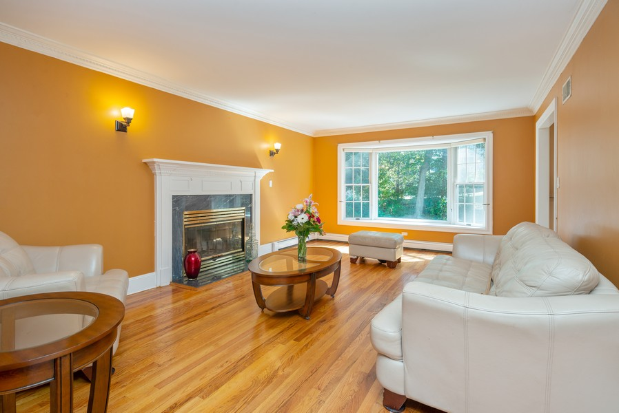 Real Estate Photography - 12 Abbey Dr, White Plains, NY, 10604 - Family Room