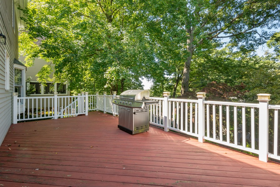 Real Estate Photography - 12 Abbey Dr, White Plains, NY, 10604 - Deck