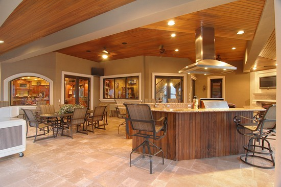 Real Estate Photography - 3755 Mullenhurst Dr, Palm Harbor, FL, 34685 - 1400 sf mol under cover w/Cook area & Bar