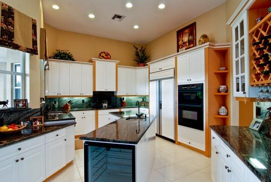 Real Estate Photography - 15540 Sunward St, Wellington, FL, 33414 - Kitchen