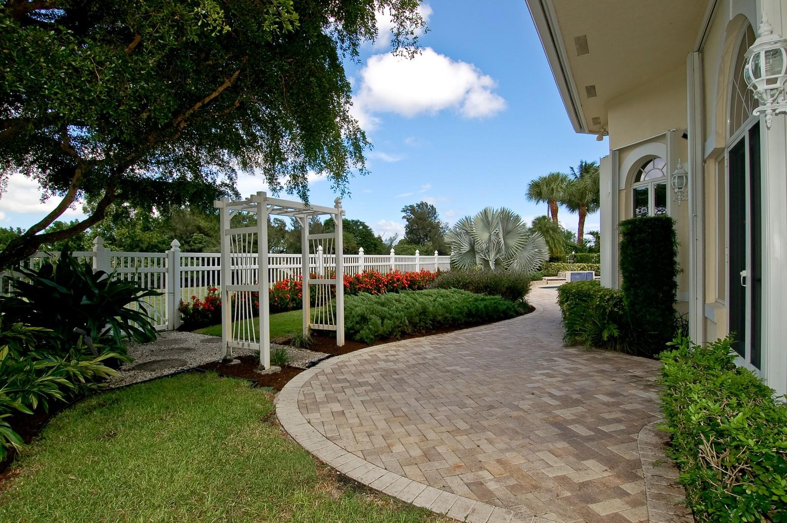 Real Estate Photography - 4252 Bocaire Blvd, Boca Raton, FL, 33487 - Back Yard