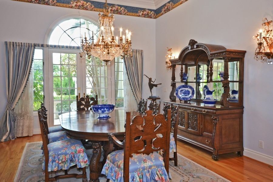 Real Estate Photography - 4252 Bocaire Blvd, Boca Raton, FL, 33487 - Dining Room