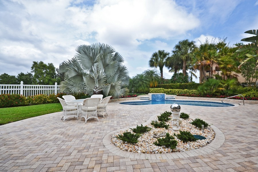 Real Estate Photography - 4252 Bocaire Blvd, Boca Raton, FL, 33487 - Pool