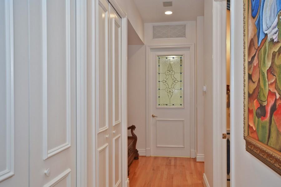 Real Estate Photography - 4252 Bocaire Blvd, Boca Raton, FL, 33487 - Hallway