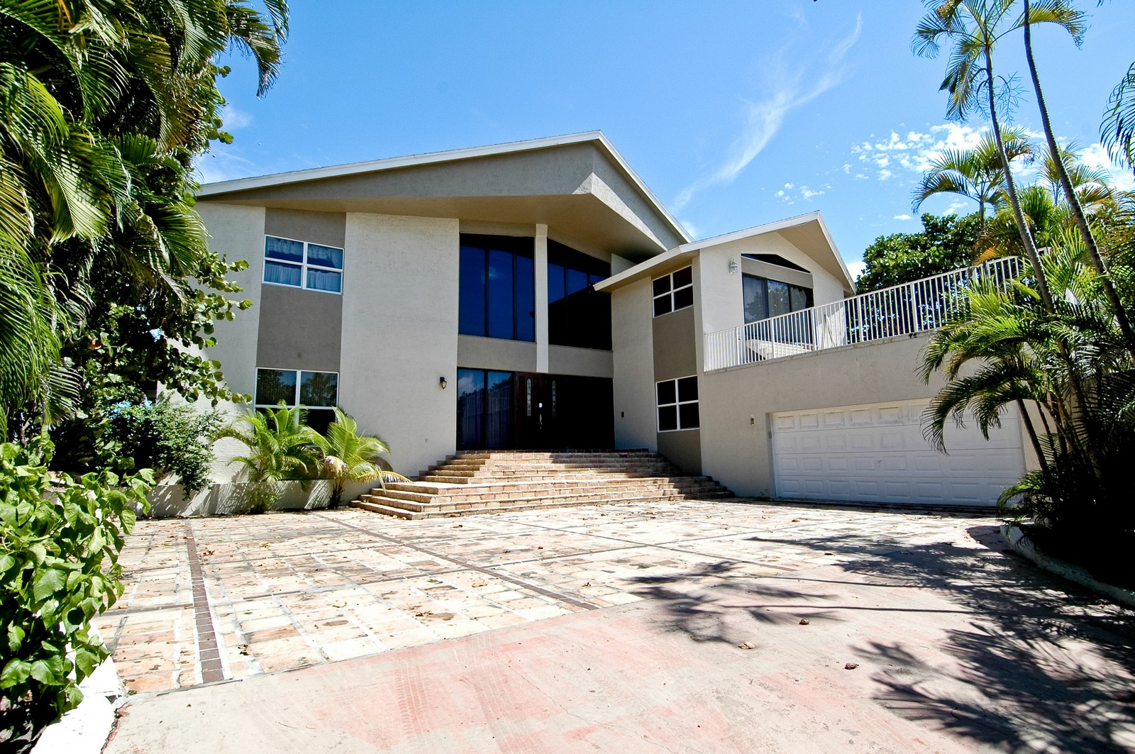 Real Estate Photography - 999 Hillsboro Mile, Hillsboro Beach, FL, 33062 - Front View