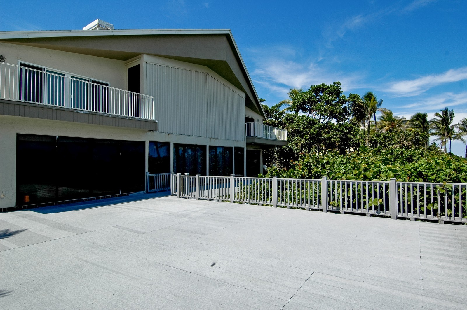 Real Estate Photography - 999 Hillsboro Mile, Hillsboro Beach, FL, 33062 - Rear View
