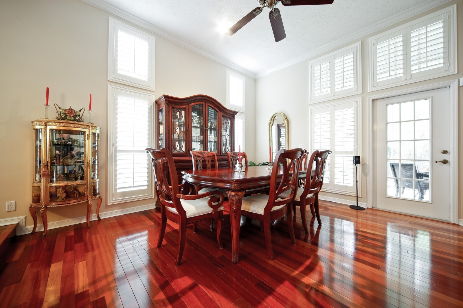 Real Estate Photography - 18750 Wimbledon Cir, Lutz, FL, 33558 - Dining Room