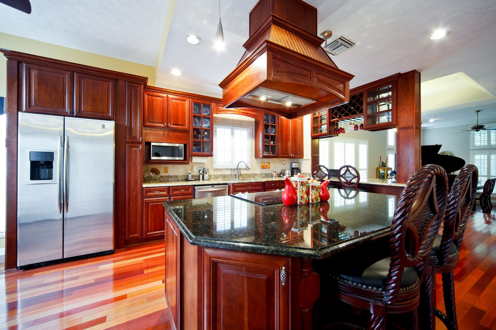 Real Estate Photography - 18750 Wimbledon Cir, Lutz, FL, 33558 - Kitchen