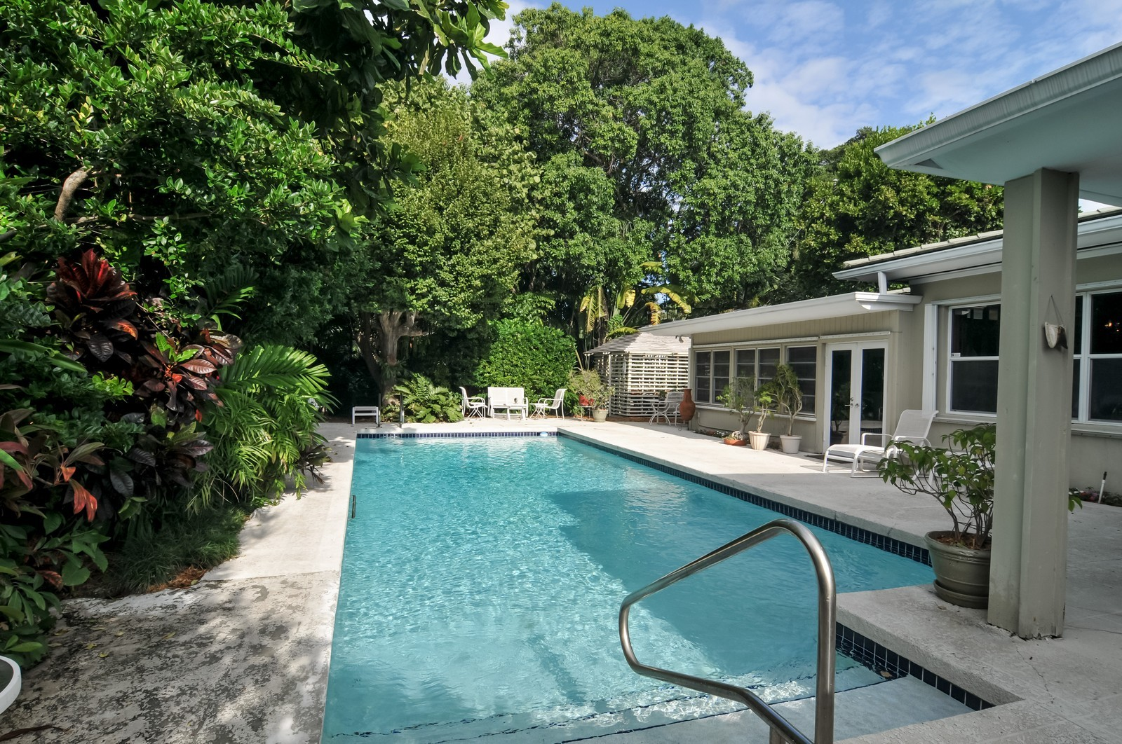 Real Estate Photography - 240 East Shore Drive, Miami, FL, 33133 - Pool