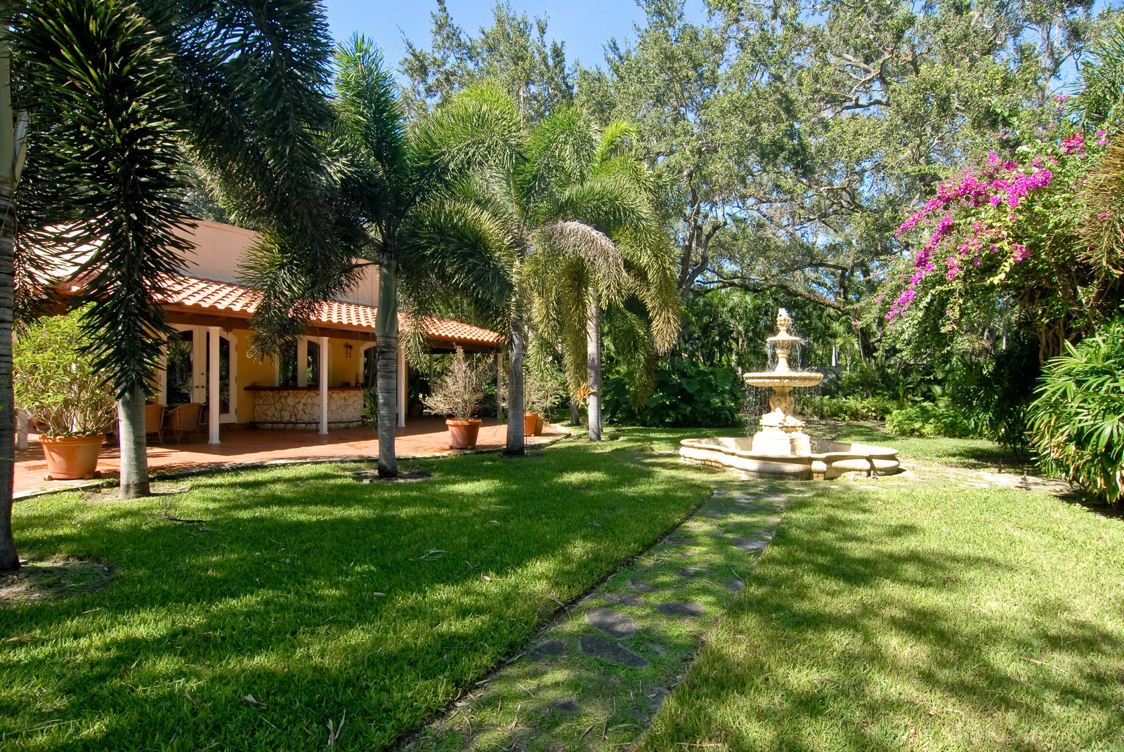 Real Estate Photography - 4845 Davis Rd, Miami, FL, 33143 - Rear View
