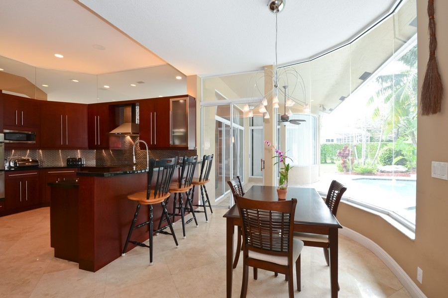 Real Estate Photography - 9705 NW 63 Pl, Parkland, FL, 33076 - Kitchen / Eating Area