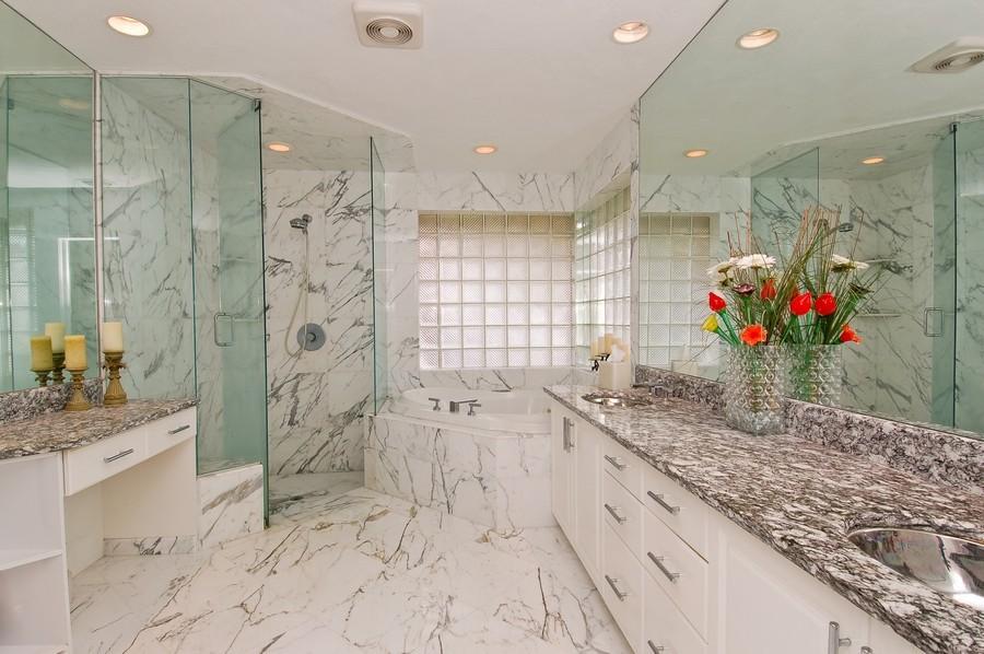 Real Estate Photography - 9705 NW 63 Pl, Parkland, FL, 33076 - Master Bathroom