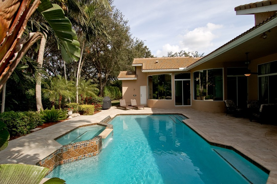 Real Estate Photography - 9705 NW 63 Pl, Parkland, FL, 33076 - Pool