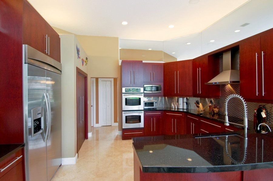 Real Estate Photography - 9705 NW 63 Pl, Parkland, FL, 33076 - Kitchen