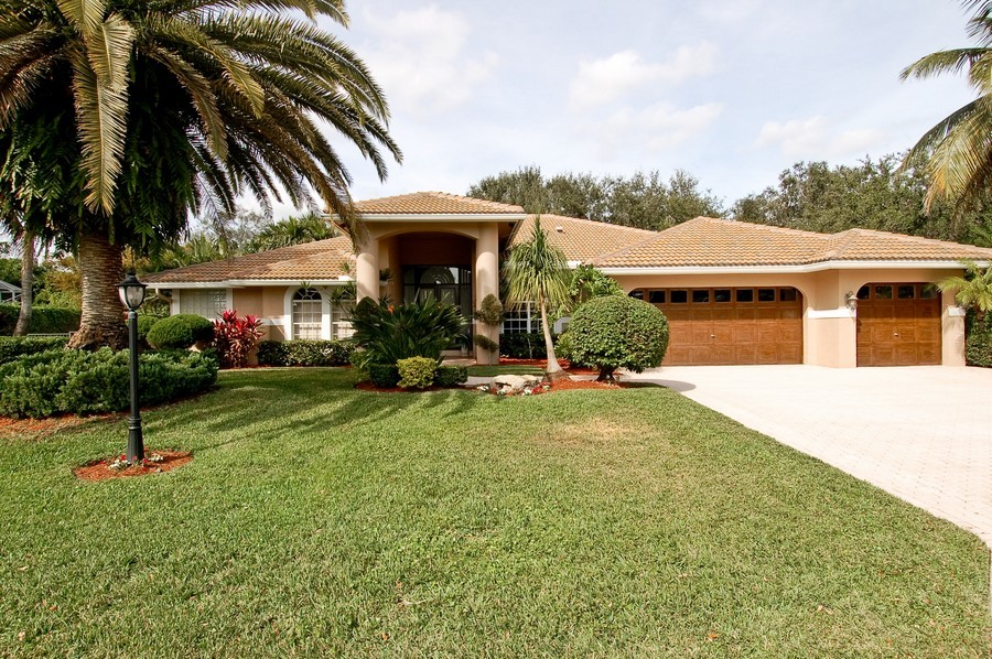 Real Estate Photography - 9705 NW 63 Pl, Parkland, FL, 33076 - Front View