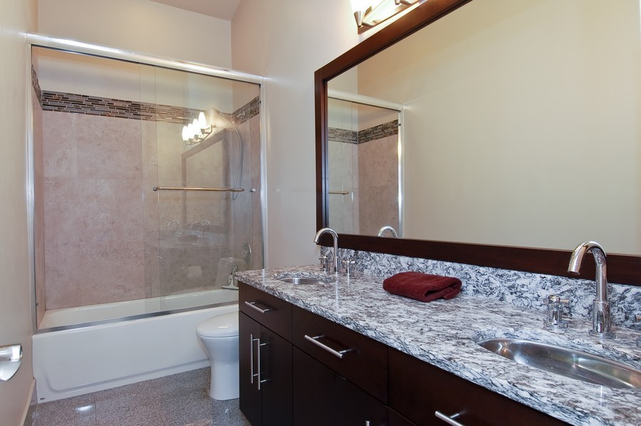 Real Estate Photography - 9705 NW 63 Pl, Parkland, FL, 33076 - 2nd Bathroom