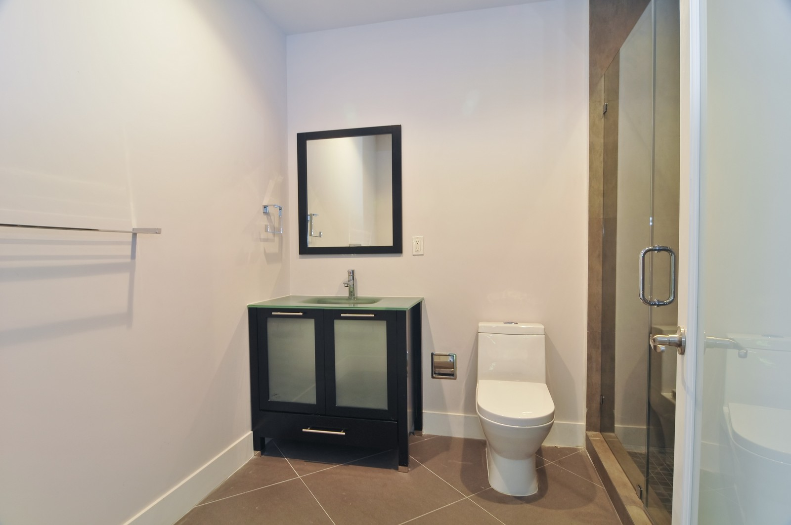 Real Estate Photography - 6500 SW 135th Ter, Pinecrest, FL, 33156 - 2nd Bathroom