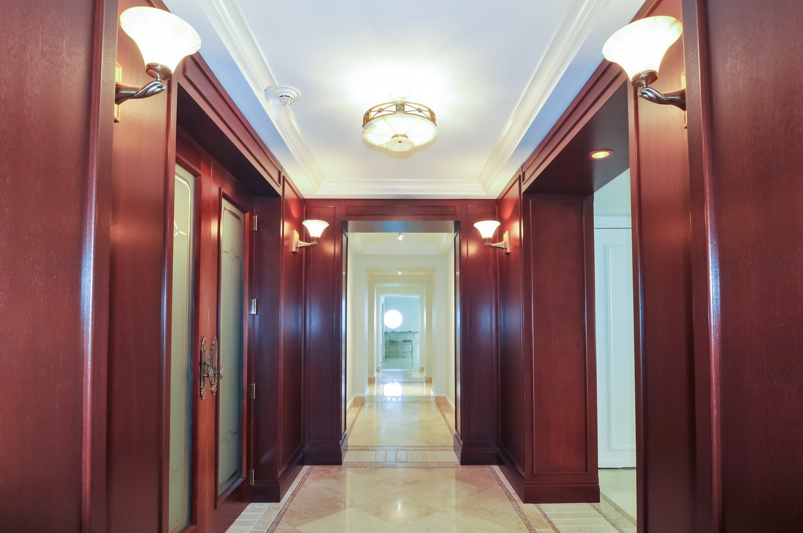 Real Estate Photography - 5801 Collins Ave, Unit 800, Miami Beach, FL, 33140 - Hallway