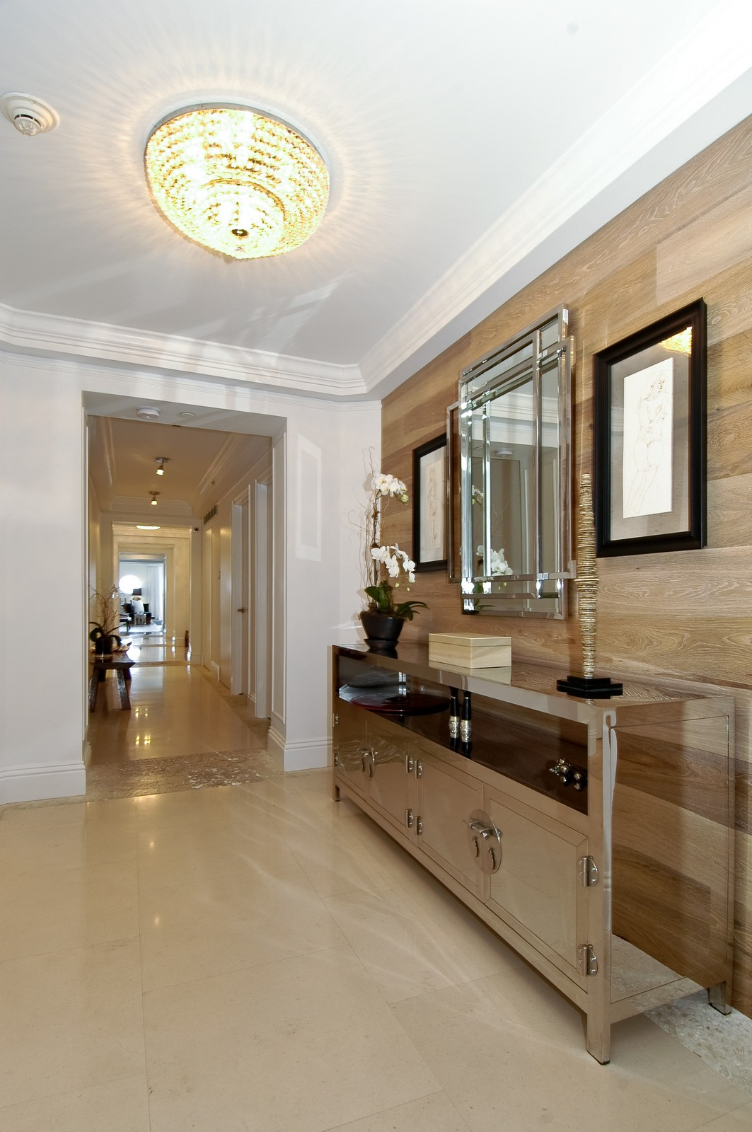 Real Estate Photography - 5801 Collins Ave, Unit 1000, Miami Beach, FL, 33140 - Hallway