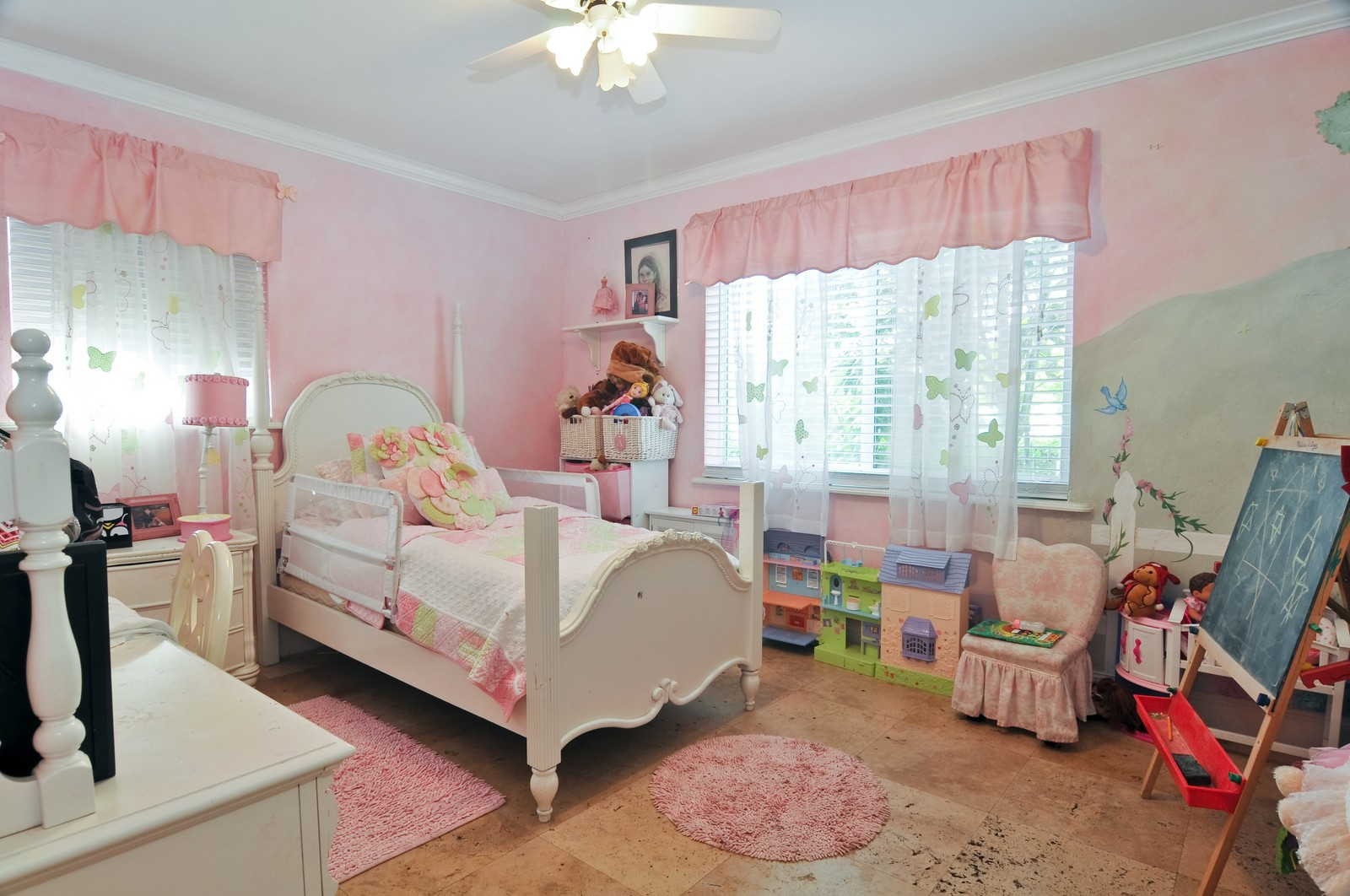 Real Estate Photography - 285 Glenrigde Rd, Key Biscayne, FL, 33149 - Kids Bedroom