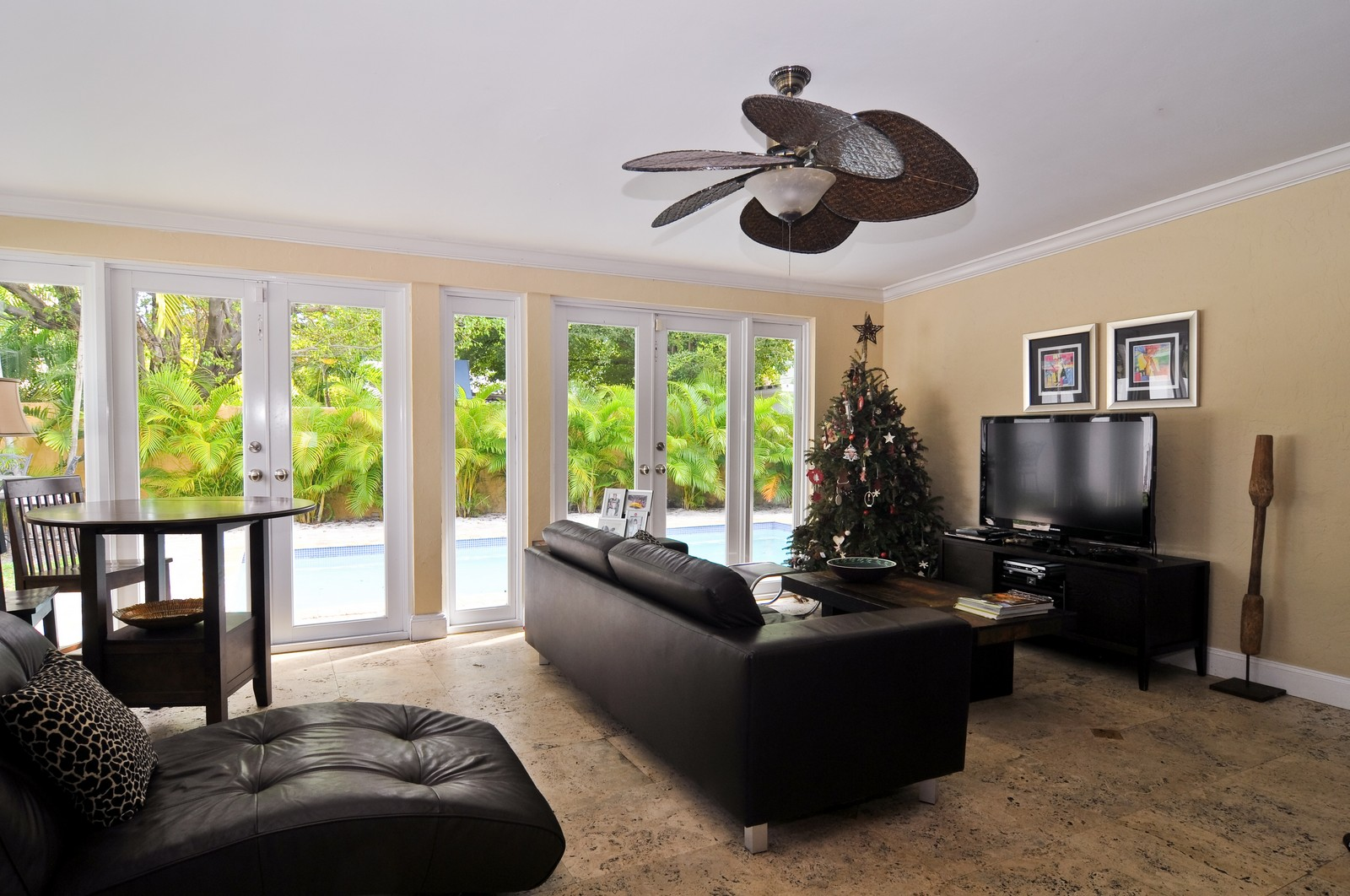 Real Estate Photography - 285 Glenrigde Rd, Key Biscayne, FL, 33149 - Family Room