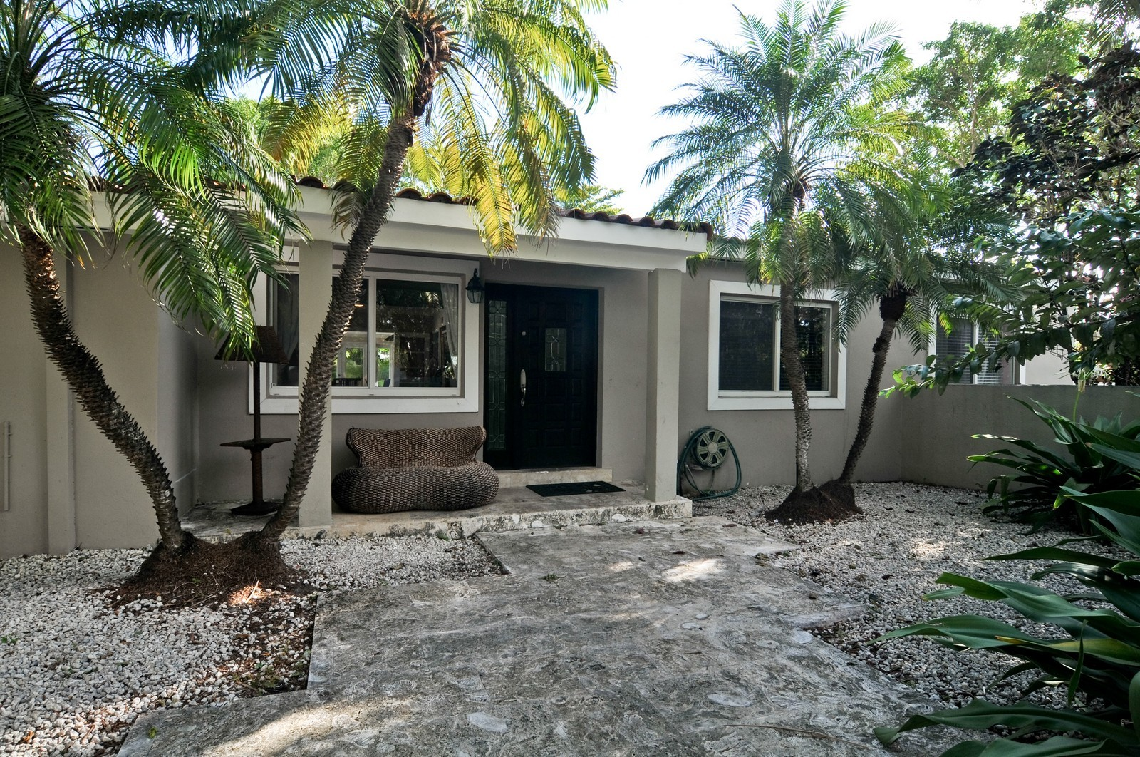 Real Estate Photography - 285 Glenrigde Rd, Key Biscayne, FL, 33149 - Entryway