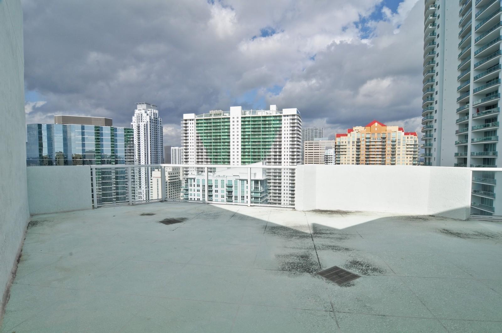 Real Estate Photography - 218 SE 14th St, PH 2, Miami, FL, 33131 - Terrace